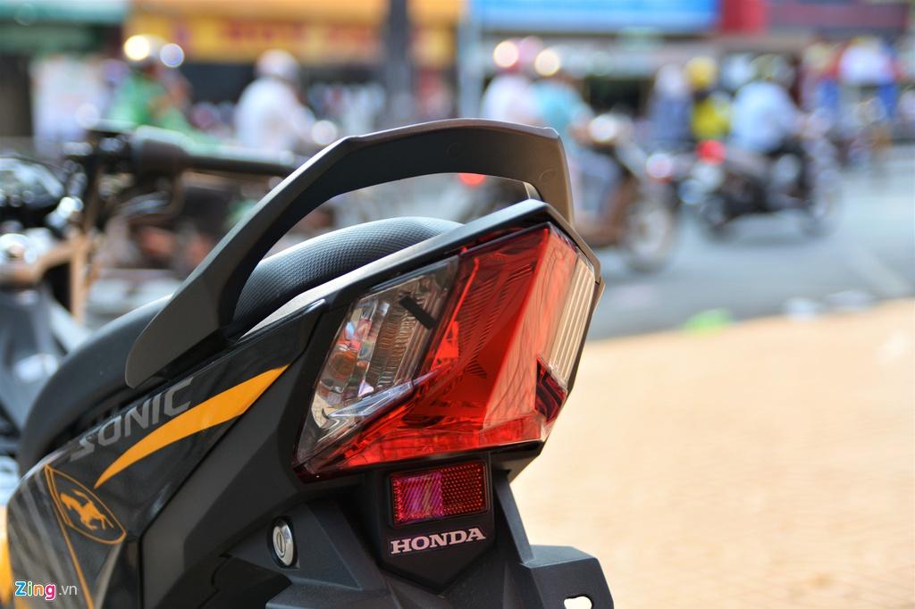 Honda Sonic voi dan ao Ferrari o TP.HCM hinh anh 9 5_Sonic_zing.jpg
