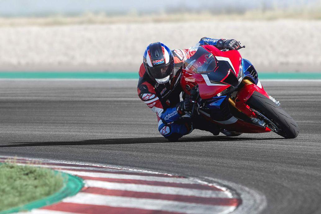 2021 CBR1000RR-R Fireblade SP sẽ là lá cờ đầu trong dòng sản phẩm sportbike của Honda