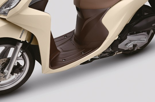 Kích thước sàn để chân của xe Honda Vision