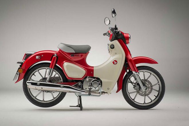 """Honda Super Cub có thiết kế """"tân cổ giao duyên"""""""