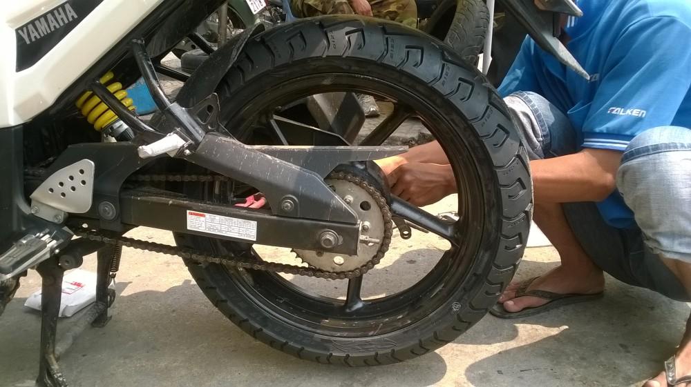 Tips] Độ lốp xe máy và 3 điều bạn Cần phải biết